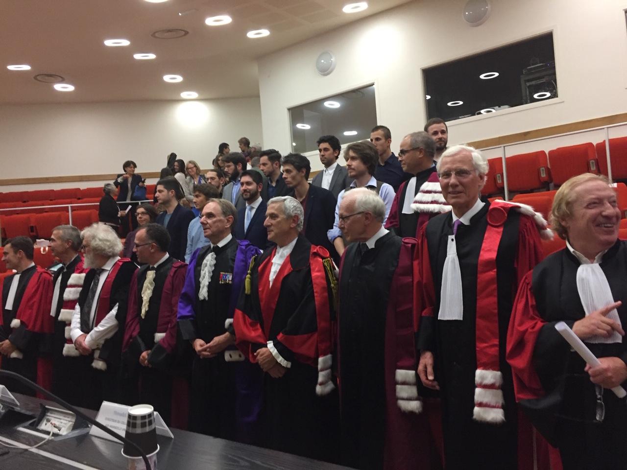 Dr Ejan Mackay reçoit un doctorat honoris causa de l'Université Aix-Marseille.